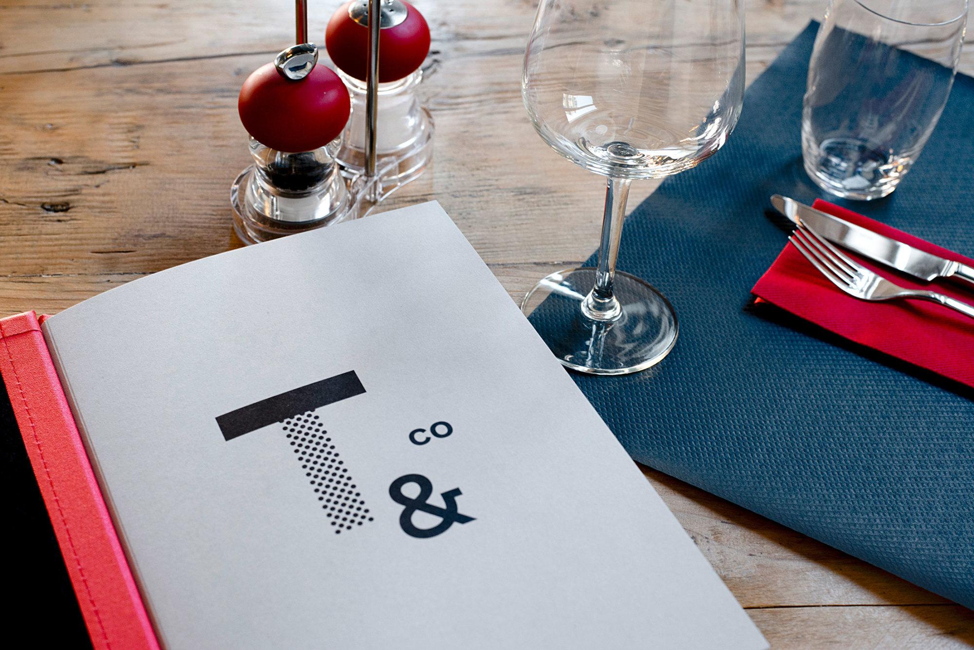 Graphisme Geneve graphic design graphique direction artistique logo identité visuelle identity branding brand  tartares & co bar restaurant grand prix 2015  menu